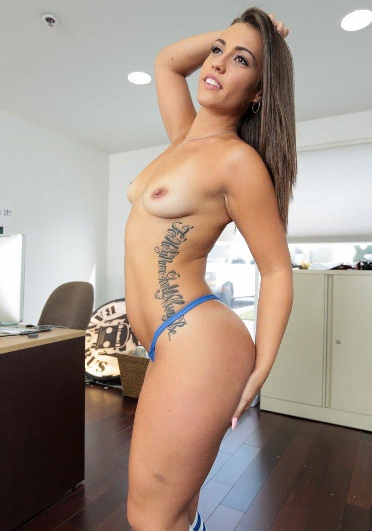 Gwiazda porno: Kelsi Monroe